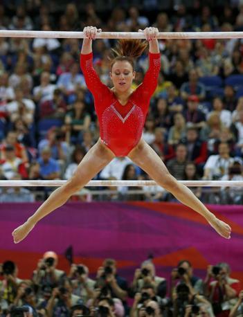Individuali di ginnastica artistica femminile: L'italiana Vanessa Ferrari è arrivata ottava (Reuters)