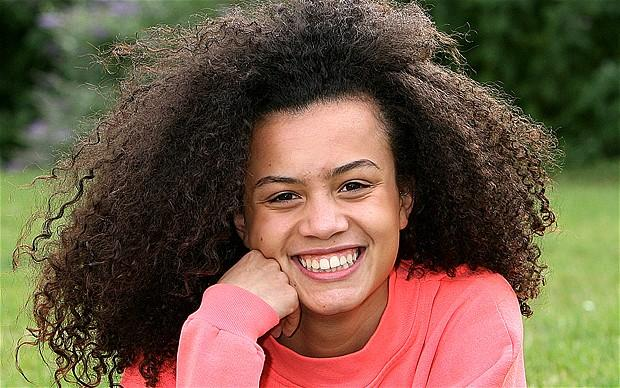 Studentessa alla Brit School, si è esibita nella cerimonia inaugurale