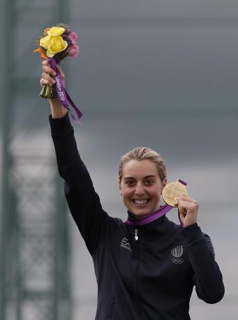 Sul podio con la medaglia d'oro al collo (Ap)