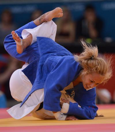 Il combattimento per la medaglia di bronzo contro la lussemburghese Marie Muller (Afp)