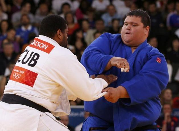 Un'altra gara di Ricardo Blas, contro il cubano Oscar Brayson (Reuters/Toru Hanai)