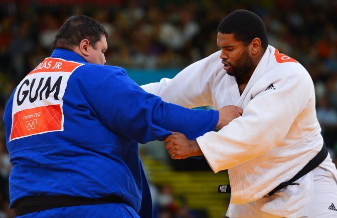 Ricardo Blas aveva già quattro anni fa il record dell'atleta più pesante della storia delle Olimpiadi. Pesava 210 chilogrammi. In quattro anni è ingrassato di otto chili e ne pesa 218. (Afp/Medina)