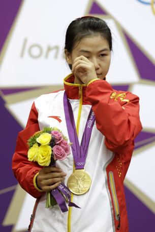 La cinese Yi Siling, oro nelal carabina dieci metri (Ap)