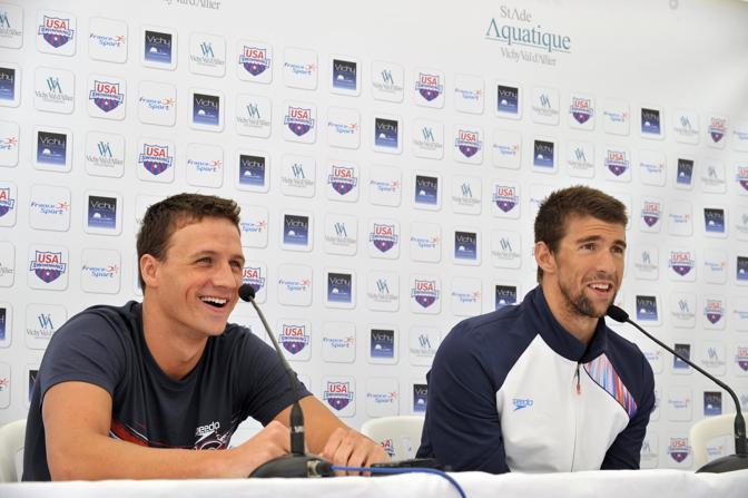 C'� grande attesa a Londra 2012 per la sfida tutta a stelle e strisce tra  lui e l'altro recordman Michael Phelps. I due sono amici, ma solo fuori dalla piscina (Afp/Zoccolan)