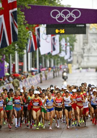 Maratona femminile all' Olimpiade di Londra (Epa)