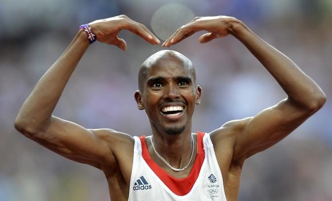 Quando aveva vinto i 10.000, Mo Farah aveva mimato la M e la O con le braccia: il «MoBot» era stato inventato come una «risposta» alla saetta di Usain Bolt (Afp/Feferberg)