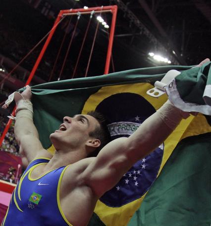 5.Brasile: l?uomo simbolo è Zanetti, oro a sorpresa agli anelli. I brasiliani perdono nel calcio, ma si consolano con il record di medaglie (17). Pronti per Rio (Ap)