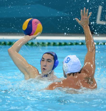 Stefan Mitrovic contro Christian Presciutti (Afp)