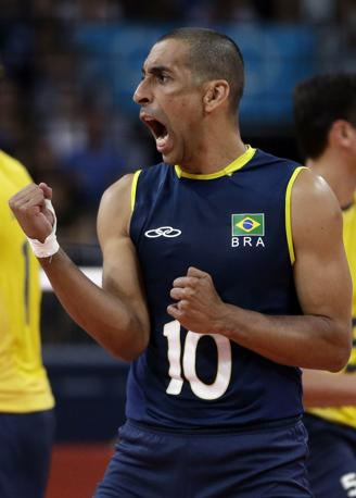 In finale, il Brasile si giocherà l'oro contro la Russia, mentre gli azzurri, domenica alle 9.30 (orario di Londra) lotteranno per il bronzo al cospetto della Bulgaria (Ap/Roberson)
