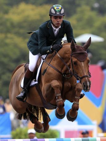 Il Brasile punta sull'equitazione e su Rodrigo Pessoa, qui in gara con il cavallo HH Asheley agli ultimi Giochi Panamericani (Reuters/Moraes)