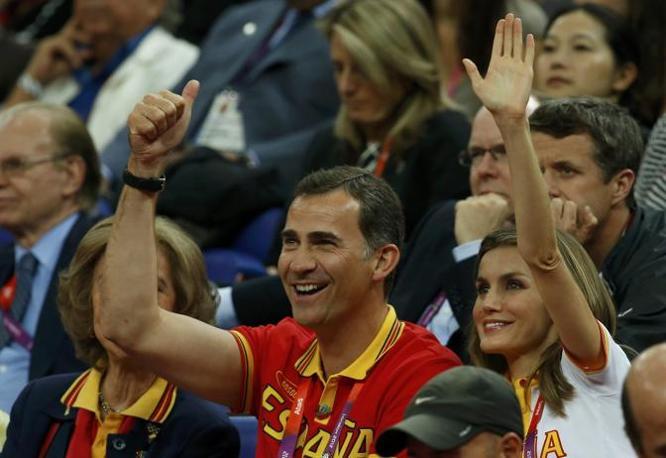 I reali di Spagna alla finale di Basket contro gli Usa (Reuters)