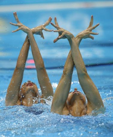 Di nuovo il duetto spagnolo nella prima giornata di nuoto sincronizzato (Epa/Kraemer)