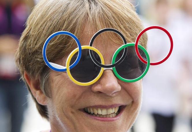 L'ilarità degli appassionati e i cinque cerchi olimpici (Reuters)