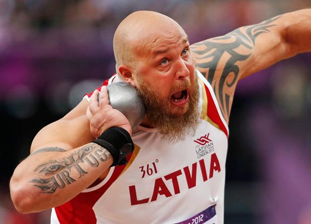 Lancio del peso, il lituano Maris Urtans (Ap)
