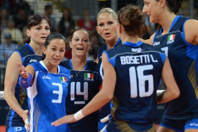 L'Italia, nella cui formazione Lucia Bosetti � stata preferita alla sorella Caterina, ha vinto per la maggiore forza collettiva, soprattutto del suo muro e del suo attacco (Afp/Kudryavtsev)