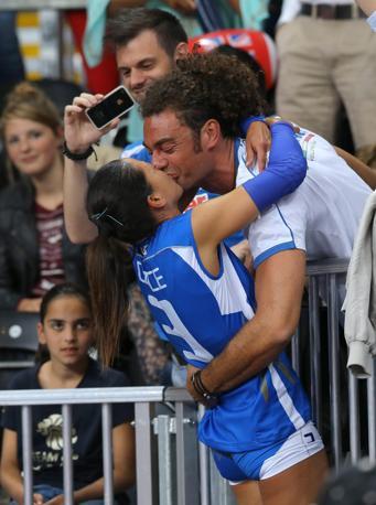 Il bacio finale di Paola Croce al fidanzato in tribuna  (Epa/Ghement)