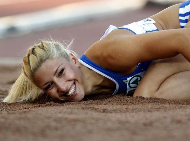 La campionessa d'Europa di salto triplo Under 23 Voula Papachristou è stata espulsa da Londra 2012 a causa di un commento razzista fatto su Twitter. Con 14.40 ha saltato la seconda misura di sempre nella sua categoria (Ap/Dunham)