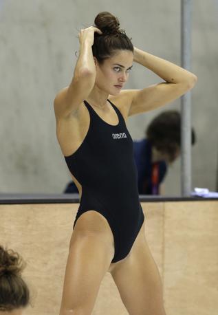 La nuotatrice ungherese durante il riscaldamento (Ap/Sohn)