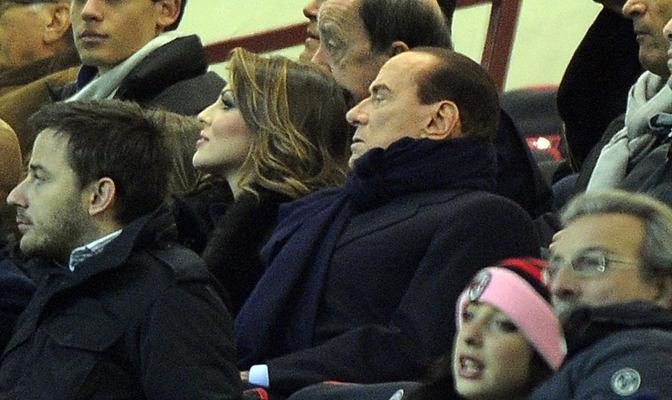 Il presidente del Milan Silvio Berlusconi in tribuna. Prima della gara aveva commentato: «Balotelli? Non è un sogno» (Ansa/Dal Zennaro)
