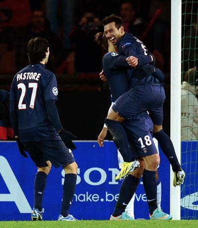 Paris Saint Germain-Porto 2-1. Il gol di Ezequiel Lavezzi permette ai transalpini di battere il Porto e scavalcarlo in testa al Gruppo A (Afp/Fife)