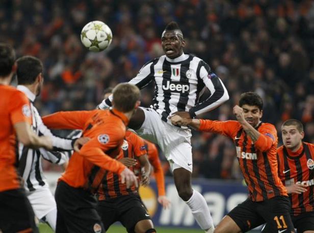 Shakhtar Donetsk-Juventus 0-1: l'acrobazia di Pogba (Stepanov\Reuters)