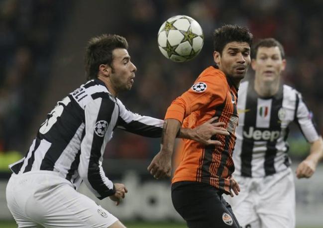 Shakhtar Donetsk-Juventus 0-1: Barzagli ferma un avversario (Lukatsky\Ap)