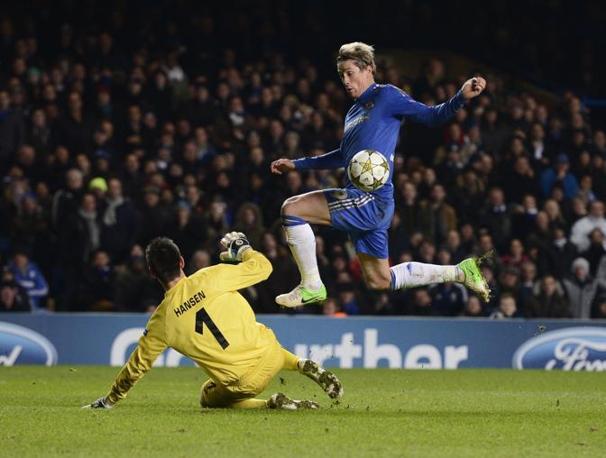 Chelsea-Nordsjaelland 6-1: il secondo gol per i blues segnato da Torres (Martinez\Reuters)