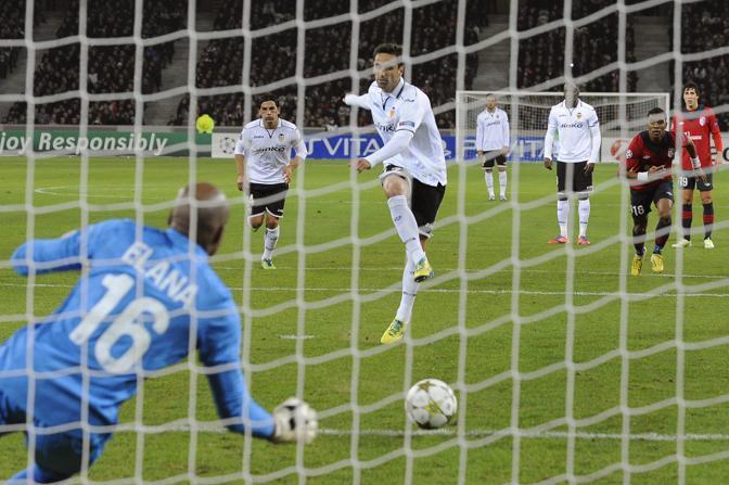 Lille-Valencia 0-1: il gol segnato da Jonas (Valat\Epa)