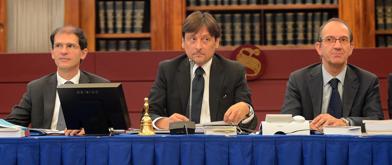 Dario Stefàno (al centro), presidente della Giunta