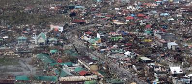 La devastazione lasciata dal tifone (Afp)