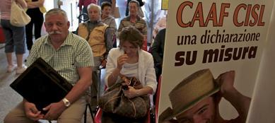 Anche i Caf sono travolti dal caos tassazione (Fotogramma)