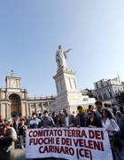 Una delle recenti manifestazioni a Napoli (Fotogramma)