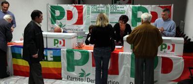Un seggio delle precedenti primarie (Fotogramma)