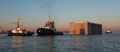 Bocca di porto del Lido. Arrivo del cassone dopo 10 ore di navigazione, mattina del 29 novembre 2013