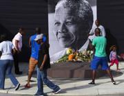 Un memoriale per Mandela a Cape Town (Reuters)