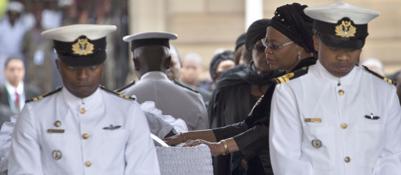Pretoria, tre giorni di lutto per MandelaL'ultimo saluto nella sede del governo