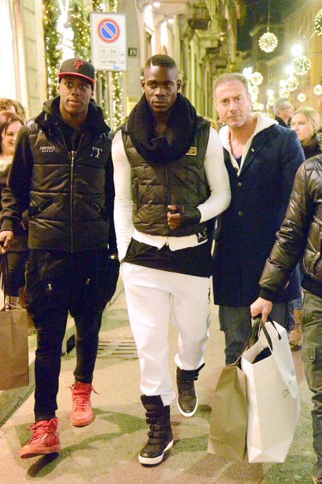 Mario Balotelli con il fratello Enoch