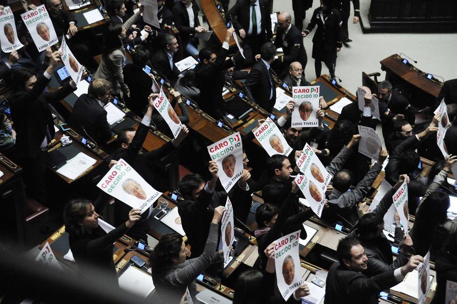 I grillini contro i lobbisti del pd for I deputati del pd