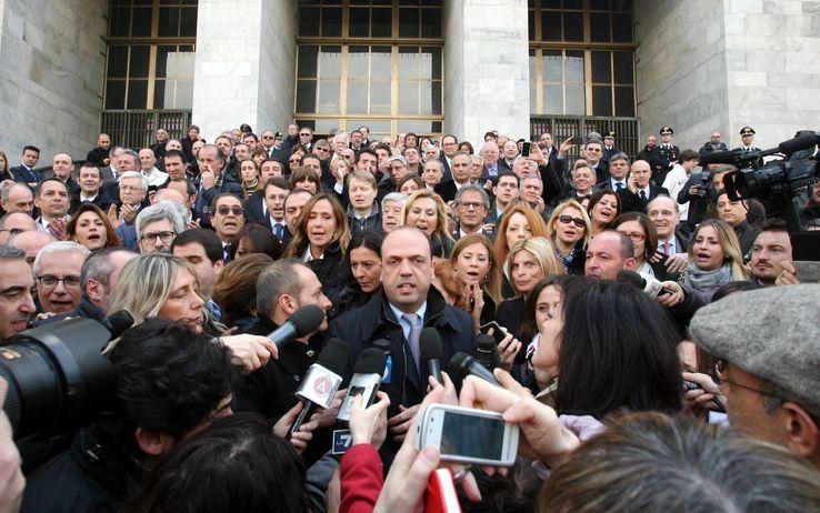 Le foto simbolo dei leader il 2013 per immagini for Parlamentari pdl