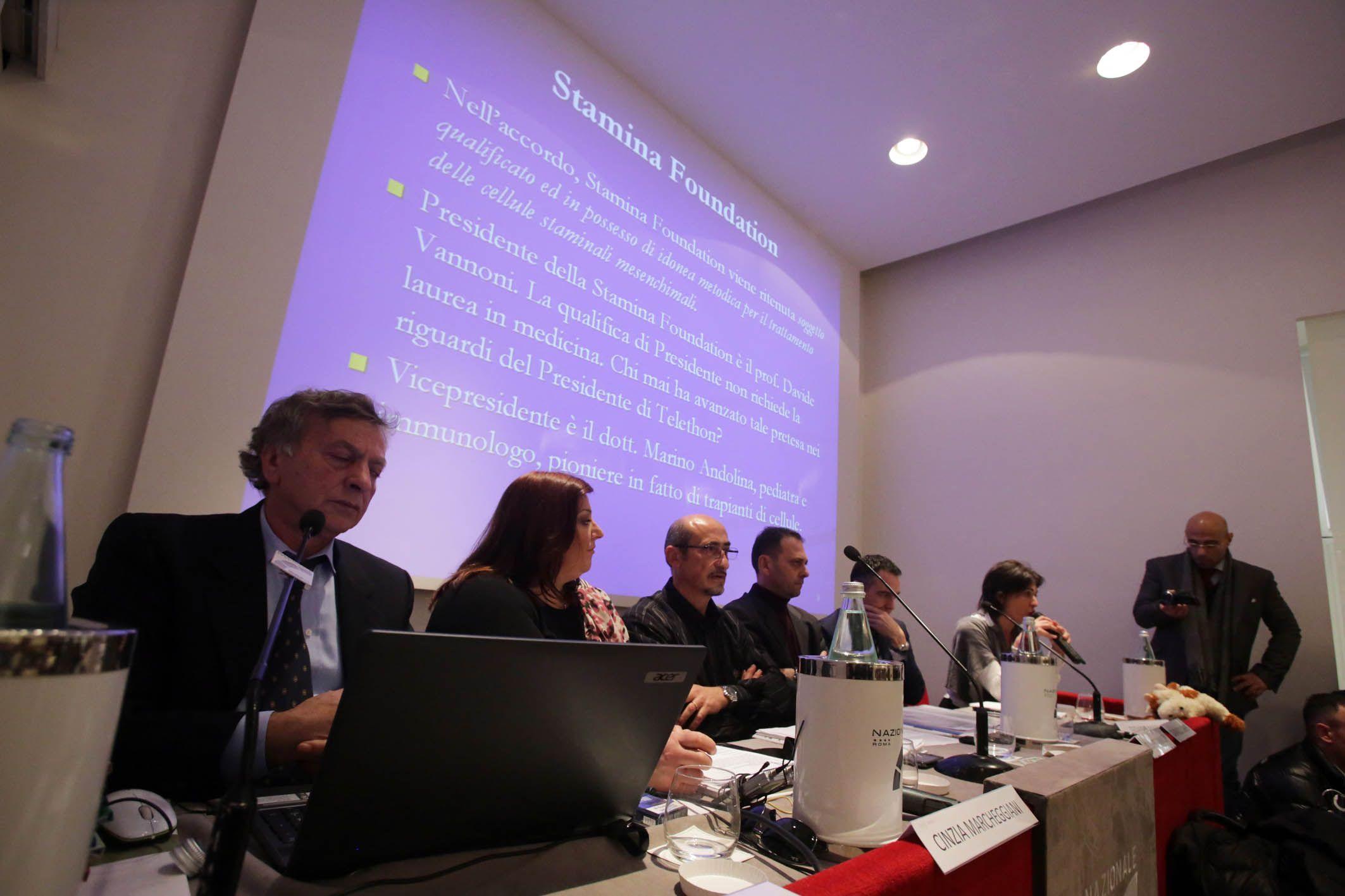 La conferenza stampa dei familiari dei pazienti curati con il metodo Stamina