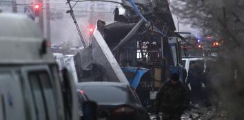 Il Filobus sventrato nell'esplosione a Volgograd, Russia (Ap)