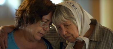 La sopravvissuta Marta Álvarez con Vera Vigevani Jarach nella Esma di Buenos Aires