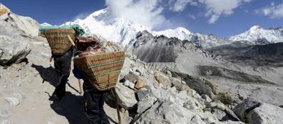 La Terra Degli Sherpa.Gli Sherpa Il Popolo Degli Umili Portatori Dell Everest Corriere It