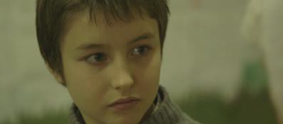 Un alunno della scuola «Morosini» di Mialno durante un incontro con Vera