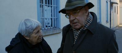 Vera Vigevani Jarach e lo storico Franco Giannantoni in visita al carcere di Varese, dove fu rinchiuso il nonno di Vera