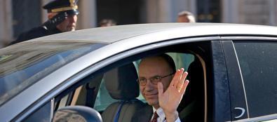 Enrico Letta arriva da solo al Quirinale (Ansa)