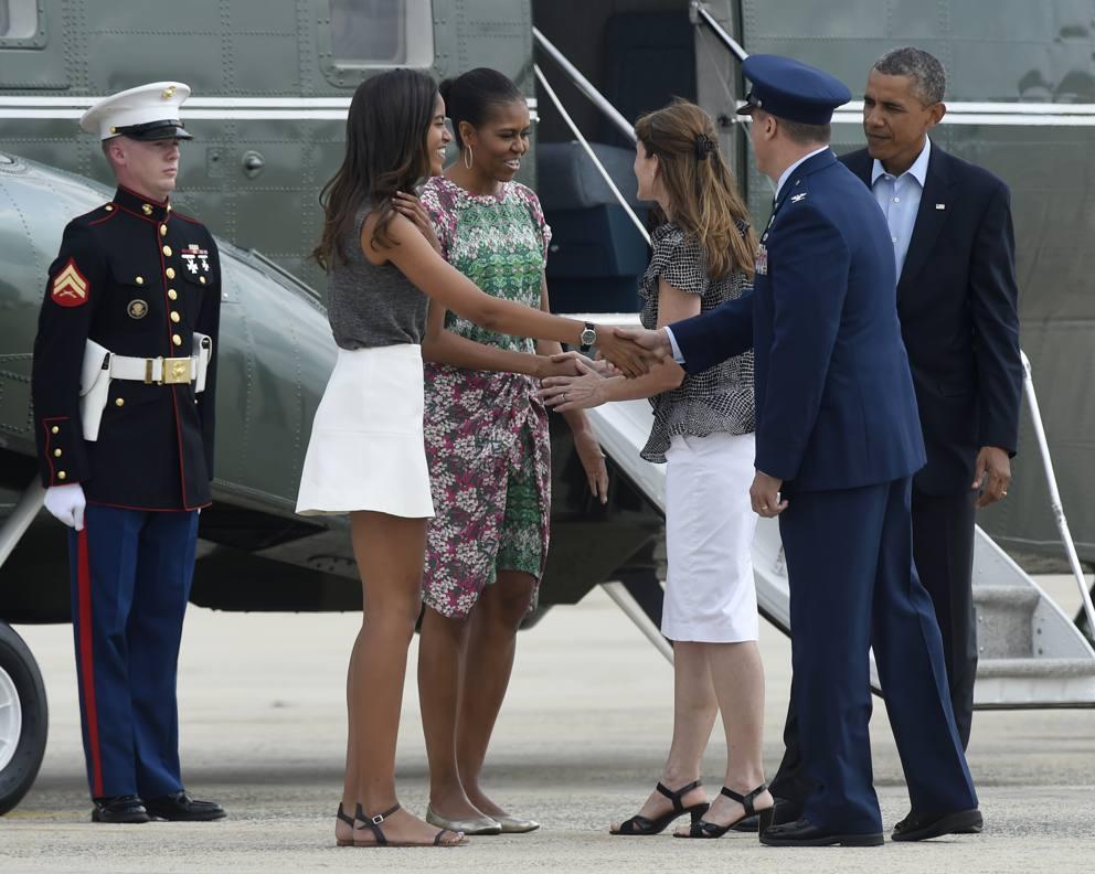 Obama (con moglie e figlia) parte - 94.5KB