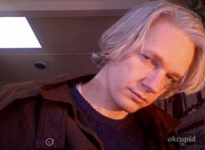 Assange, ecco quanto è cambiato: la sua storia