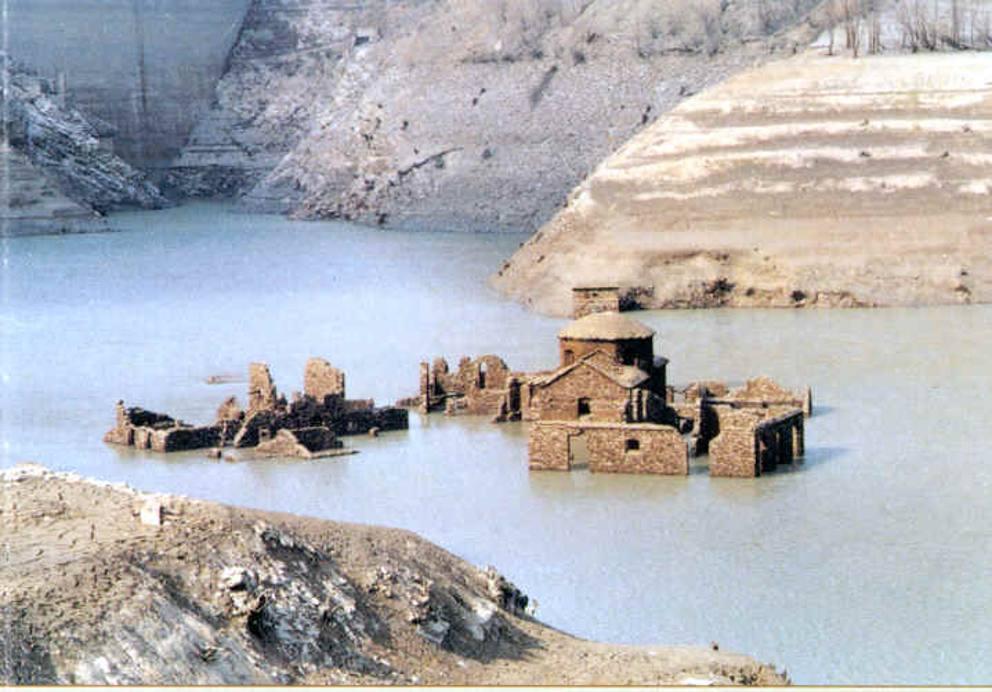 Dall italia al canada 11 citt sommerse for Cabine del lago vuoto