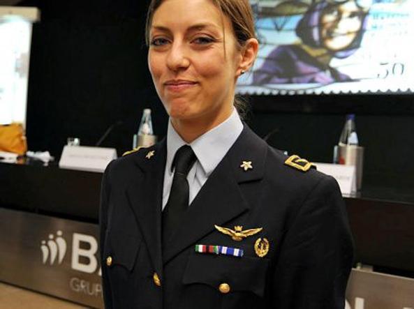 Mariangela Valentini, 31 anni,  pilota di Squadriglia nel 154^ Gruppo Volo del sesto stormo (Fotogramma)